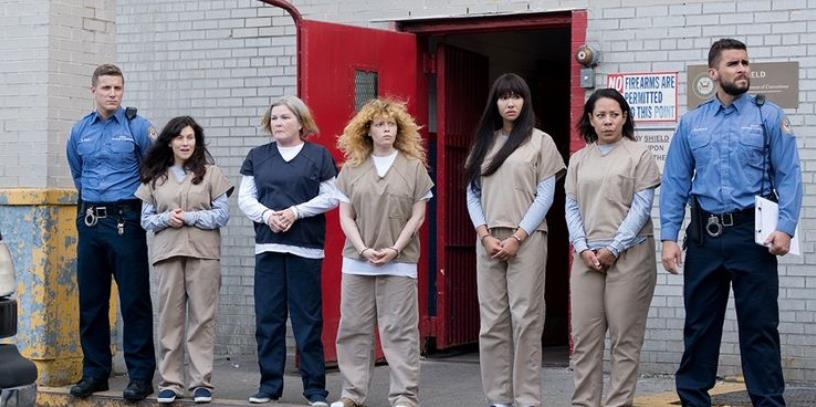 Orange Is The New Black: 5 Things It Gets Right About Prison (& 5 It Doesn't)